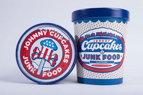 Jonny-cupcakes cubeta de helado: 25 ejemplos creativos de packaging para camisetas – Parte 2