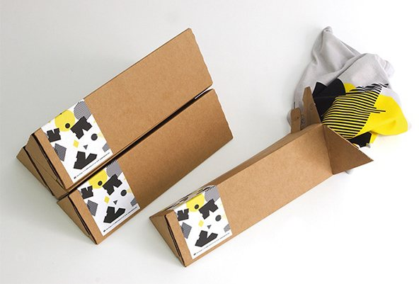 Packaging de camisetas con un twist - Cartón