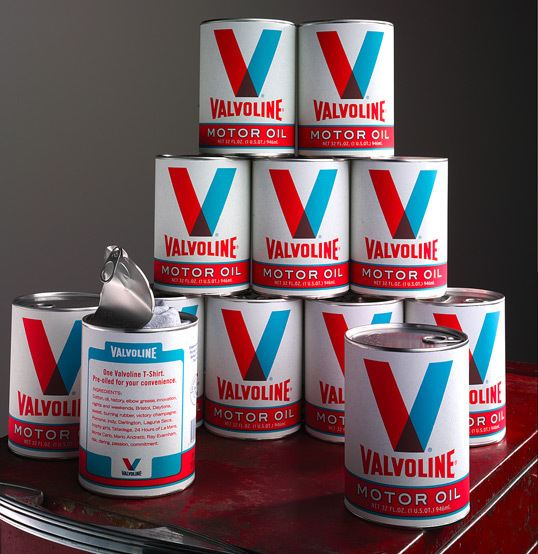 packaging de camisetas - latas de aceite